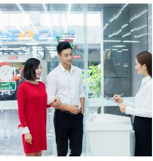 日本派遣会社 AU、Softbank接待/贩卖工作项目