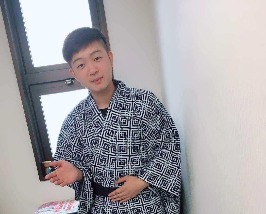 李同学     幕张日本语学校